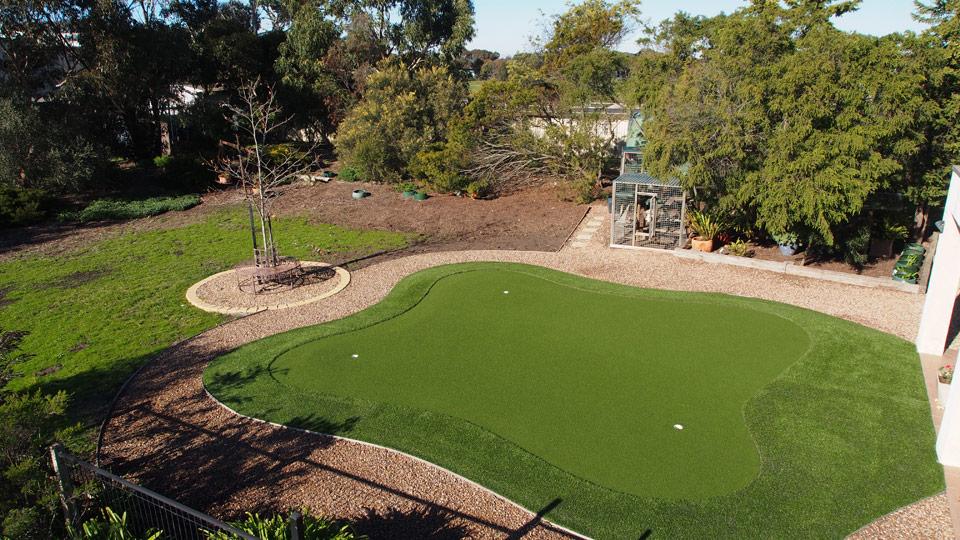 Real Putting Green Backyard : puttinggreen4